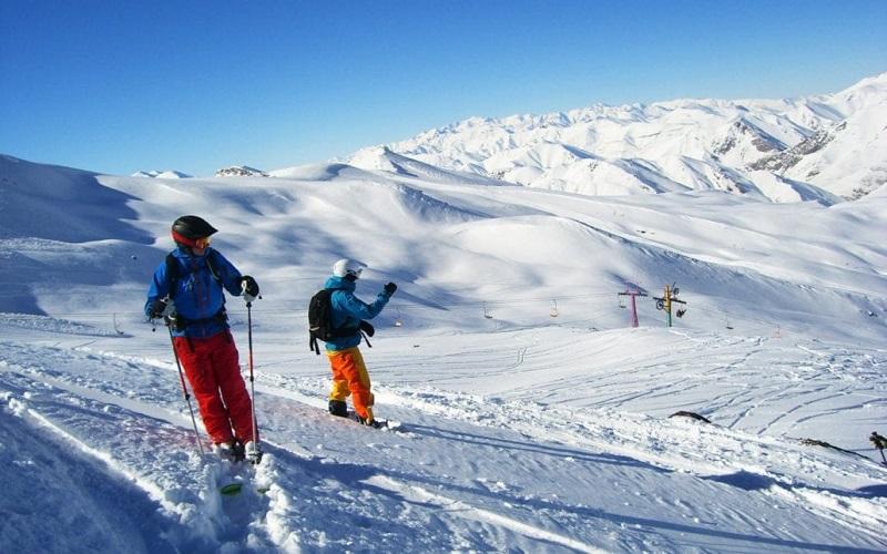 Gleichzeitig können Sie in Pisa Ski Disney Skifahren und einige Stunden später in der Wüste Ägyptens unter der sengenden Sonne spazieren gehen
