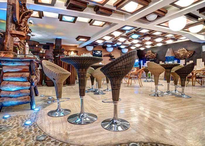 l'hotel Ferdosi