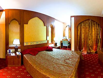Esfahan Kowsar Hotel