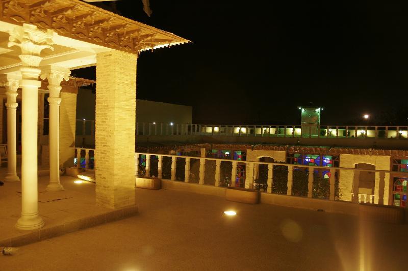Shiraz Niayesh Traditional Hotel