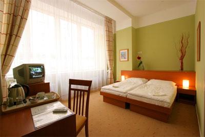 Sanandaj Shadi Hotel