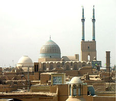http://key2persia.com/shared/data/pages/lang/iran_travel_guide/central_iran/yazd/iran_yazd_namai_%20az%20shar.jpg