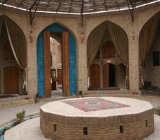 Iran, Caravanserail zeinoddin