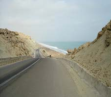 Iran, Chabahar road beside darya bozorg