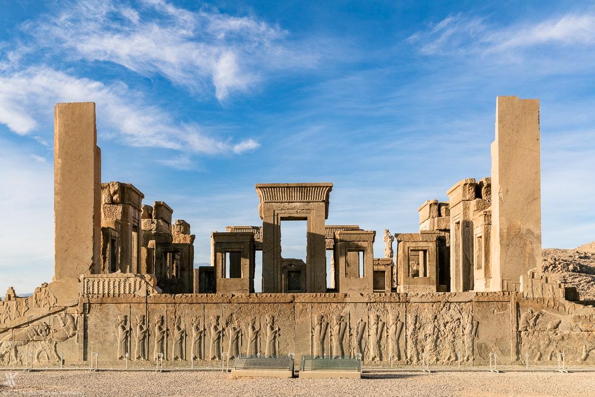 Eine faszinierende Attraktion im schiraz ist Persepolis.