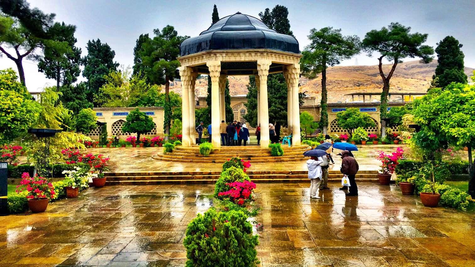 Schiras ist bekannt als die Stadt der Dichter, der Literatur